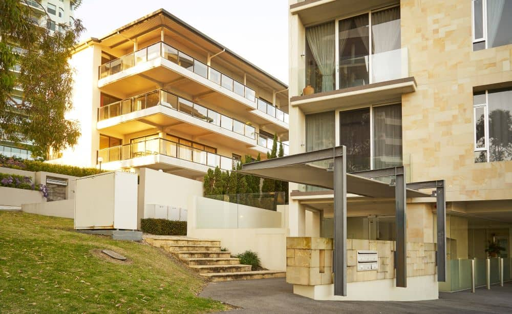 One of the advantages of strata locksmith service is they will come to your assistance any time during the day or night.